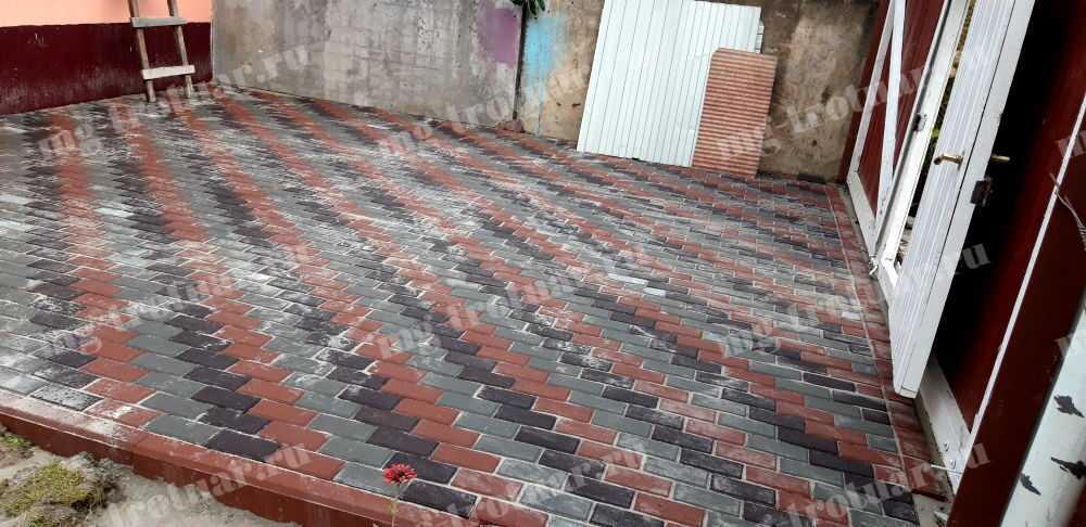 Тротуарная плитка в Домодедово. Укладка брусчатки 200x100x40 мм на бетонное основание