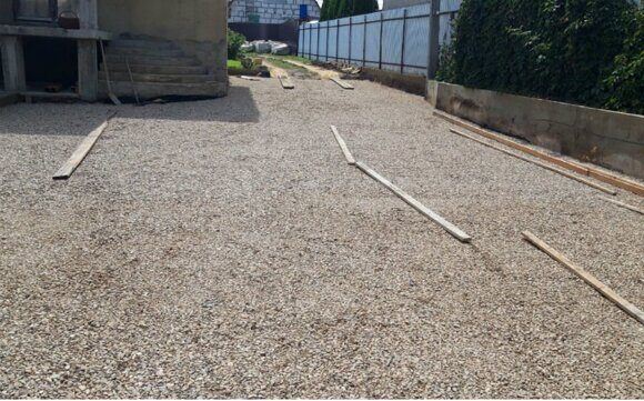 Укладка тротуарной плитки с подготовкой щебеночного основания. МГ Тротуар